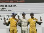 Solch ein Bilder wollen wir Hermesianer öfter sehen: Kevin Estre auf Platz 1 neben seinen Konkurrenten Sean Edwards (links) und Rene Rast (rechts).
