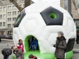 Hermes Fan Tour Köln Ball Huepfburg