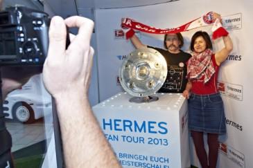 Hermes Fan Tour Berlin Bayern Fans Meisterschale
