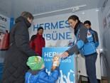 Hermes Fan Tour Berlin Kuscheltier