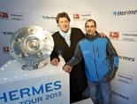 Hermes Fan Tour Berlin Meisterschalen Foto mit Toni Schumacher
