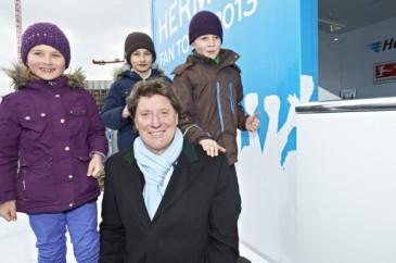 Hermes Fan Tour Berlin Toni Schumacher mit Kids