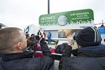 Hermes Fan Tour Berlin Truck