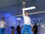 Hermes Fan Tour Köln Ball Artisten