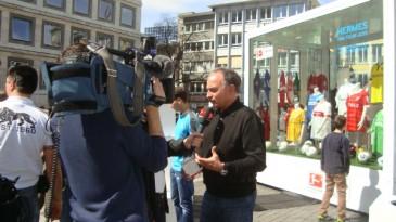 Hermes Fan Tour Stuttgart Sky interviewt Hansi Müller