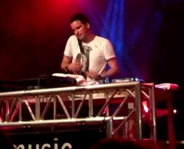 DJ Antoine | By Q1q2q3qwertz (Own work) [CC-BY-SA-3.0 (http://creativecommons.org/licenses/by-sa/3.0)], via Wikimedia Commons