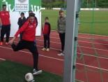 Rekordschuss von Marcus Schuster Nachwuchsspieler FC Augsburg beim Speedkicken bei der Hermes Fan Tour