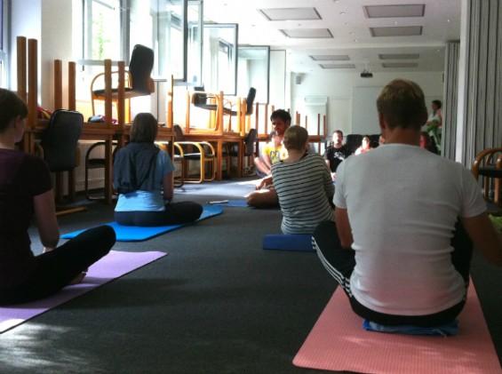 Yoga beim Hermes