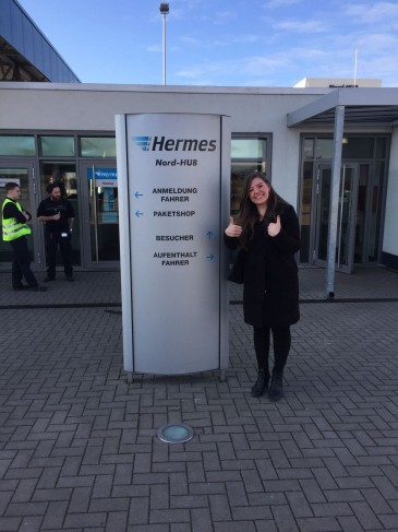Hermes Praktikanten beim Logistik-Center in Langenhagen